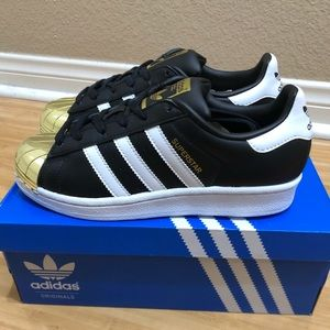 Women's metal toe adidas superstar